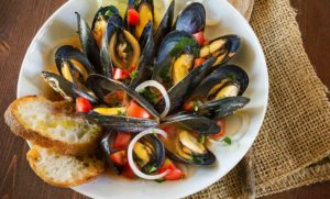 Mussels and Crusty Bread with Onion and White Wine